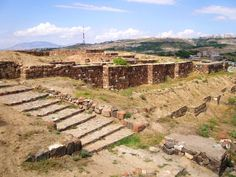 The walls of Erebuni Fortress, built by King Argishti I in 782 BC Armenia Travel, Forest Resort, Ancient Near East, Classical Antiquity, Ancient Buildings, Ancient Civilizations, Culture Travel, Capital City, Heritage Site