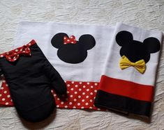 Diy Holiday Gifts, Valentine Gifts, Diy Gifts, Felt Crafts Diy, Sewing Crafts, Sewing Projects, Cozinha Do Mickey Mouse, Hand Embroidery, Embroidery Designs