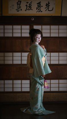 geiko 芸妓 Miyagawachô 宮川町 Toshimana とし真菜 KYOTO JAPAN
