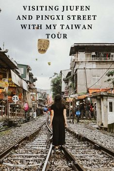One of the best experiences to have in Taiwan is surely a day trip to the north. Visiting Jiufen and Pingxi Street with My Taiwan Tour is. Taipei Travel, Asia Travel, Travel Pose, Beautiful Dark Art, Travel Themes, Travel Photographer, Travel Inspiration, Tours, Street