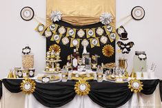 New Year's Party.  See more party ideas at CatchMyParty.com.  #newyearspartyideas