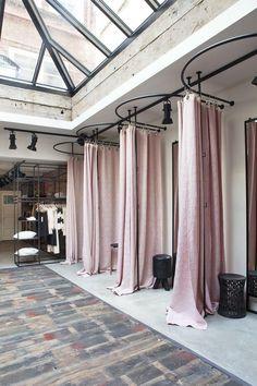 fitting room at Summum store in Amsterdam designed by Bricks Studio Clothing Store Interior, Clothing Store Design, Boutique Clothing, Clothing Studio, Designer Clothing, Lingerie Store Design, Fashion Store Design, Clothing Boutiques, Boutique Design