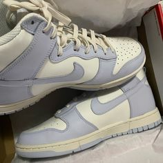 All Nike Shoes, Dr Shoes, Swag Shoes, Hype Shoes, Me Too Shoes, Jordan Shoes Girls, Girls Shoes, Tenis Vans, Looks Pinterest