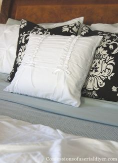 Free Pillow! This adorable pillow cost me nothing to make!| Confessions of a Serial Do-it-Yourselfer