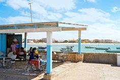 Kap Verde, Boavista: Pysähdy hetkeksi Boavistan rantakahviloihin nauttimaan paikallisista herkuista. www.finnmatkat.fi