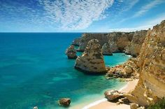 Algarve -Best Places to Visit in Portugal http://www.traveloompa.com/best-places-to-visit-in-portugal/