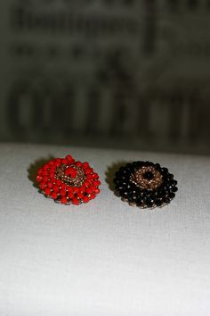 Decorative buttons: magic comes in red & black Couture, Fashion Details, Red Black, Fashion Art, Stud Earrings, Buttons, Magic, Modern, Decor