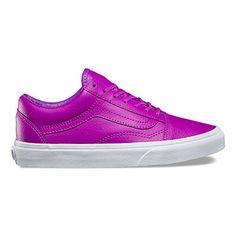 b9aa8f31e6f875 Vans Unisex Old Skool Skateboarding Shoes 8 BM US Women 65 DM US Men Neon  PurpleTrue White   Visit the image link more details.