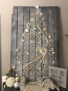 Welcom winter snowman painting on wood – Artofit 40 Stunning Rustic Christmas Decor Ideas - image for you Are you well prepared for some christmas ornament? For some christmas ornaments or some hand craft, we have so many idea to give i Rustic Christmas, Christmas Art, Christmas Projects, Winter Christmas, Christmas Wreaths, Christmas Gifts, Christmas Ornaments, Wooden Christmas Trees, Beautiful Christmas