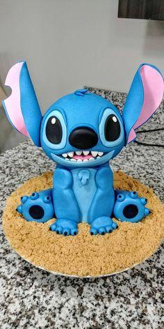 Disney Desserts, Cute Desserts, Disney Cakes, Disney Food, Crazy Cakes, Fancy Cakes, Cute Cakes, Lilo And Stitch Cake, Lilo And Stitch Quotes
