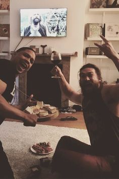 Pin for Later: 20 Times Jason Momoa Proved He's a Diehard Game of Thrones Fanboy