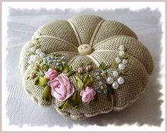Wonderful Ribbon Embroidery Flowers by Hand Ideas. Enchanting Ribbon Embroidery Flowers by Hand Ideas. Embroidery Supplies, Hand Embroidery Designs, Embroidery Stitches, Embroidery Patterns, Fabric Crafts, Sewing Crafts, Sewing Projects, Sewing Ideas, Band Kunst