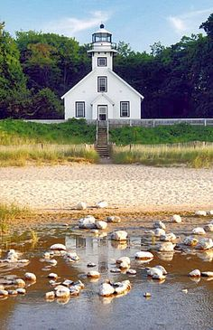 Mission Point Lighthouse, Michigan at Lighthousefriends.com