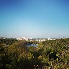 Love you. Люблю тебя. . . . . . #кишинев #молдова #небо #мойгород #намосту #chisinau #moldova #moldova_mea #orasulmeu #europe #cityviews #easterneurope #streetphoto #bluesky #landscape #beautifulday
