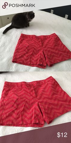 Bright orangy-red shorts! Hot orange/red shorts with a zig-zag pattern in hot pink, cream and light tan. Fun to wear! Anne Taylor Loft Shorts