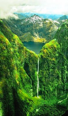 Sutherland Falls and Lake Quill in New Zealand. Sutherland Falls und Lake Quill in Neuseeland. Visit New Zealand, New Zealand Travel, New Zealand Lakes, New Zealand South Island, Places To Travel, Places To See, Travel Destinations, Destination Voyage, Photos Voyages