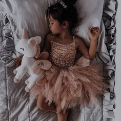Baby Momma, Cute Baby Girl, Cute Babies, Baby Kids, Cute Kids Pics, Cute Baby Pictures, Cute Family, Baby Family, Aesthetic Themes