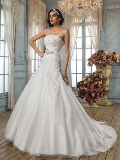 A-line/Princess Strapless Chapel Train Lace Wedding Dress - USD $399.99