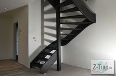 open trap zwart