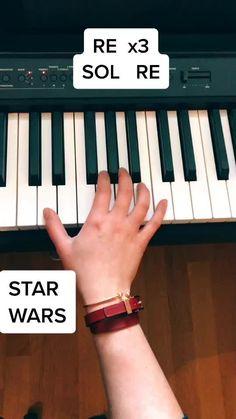 TikTok Piano (@pianomillie) ha creado un video corto en TikTok con la música original sound. | Star Wars au piano 🎵 #starwars #starwarsfan #pianotutorial #pianotuto #pourtoi #pianocovers #mycoverhero #piano #pianogirl #learnfast #easypiano | STAR WARS | RE  x3 SOL   RE | DO  SI  LA SOL   RE x2 | ... Piano Music Easy, Piano Music Notes, Piano Sheet Music, Piano Lessons, Music Lessons, Solfege Piano, The Piano, Song Notes, Piano Tutorial