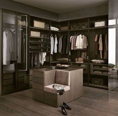 14 Walk In Closet Designs For Luxury Homes Walk In Wardrobe Design, Wardrobe Design Bedroom, Master Bedroom Closet, Closet Walk-in, Closet Vanity, Closet Ideas, Beautiful Closets, Dressing Room Design, Modern Closet