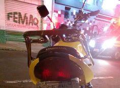 Colisão entre carro e moto deixa três feridos na João Passos -     O Corpo de Bombeiros de Botucatu atendeu na madrugada deste domingo, dia 8, um acidente de trânsito envolvendo um Fiat Pálioe uma moto Honda Titan no cruzamento das Ruas João Passos eDjalma Dutra. A ocorrência foi registrada às 2h30 e segundo testemunhas, a motocicleta teria avança - http://acontecebotucatu.com.br/policia/colisao-entre-carro-e-moto-deixa-tres-feridos-na-joao-passos/