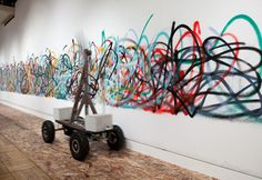 If there is s science to the art of graffiti, well, this is not it – except insofar as this robot-artist was itself born of scientific experimentation! Art Beat, Yamaguchi, Drawing Machine, Mark Making, Urban Art, Contemporary Artists, Modern Art, Love Art, Art Education