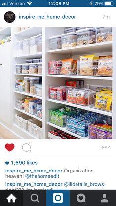 Ocd in me Kitchen Pantry Design, Kitchen Organization Pantry, Home Organisation, Pantry Storage, Organization Hacks, Kitchen Decor, Pantry Ideas, Organizing, Organized Pantry