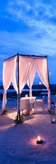 Romantic dinner at Banyan Tree Resort in Ungasan, Bali. Romantic Beach, Romantic Evening, Romantic Dates, Romantic Dinners, Romantic Ideas, Dream Dates, Beach Dinner, Beach Date, Beach Pictures