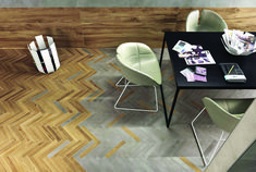 Architects office, creative floor design, wood & washed concrete look tiles, herringbone pattern. Concrete Look Tile, Polished Concrete, Concrete Floors, Foyer Flooring, Brick Flooring, Kitchen Flooring, Floor Design, Tile Design, Concorde