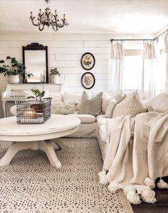 home design-home inspiration-home decor ideas-white home interior Living Room Area Rugs, Boho Living Room, Living Room Carpet, Room Rugs, Living Room Decor, Living Rooms, White Furniture, Rugs On Carpet, Diy Home Decor