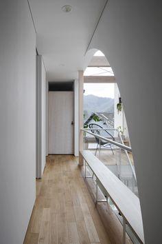 廊下 / Yoshihiro Ishiue Architects