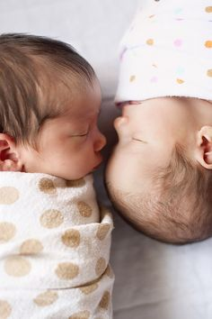 what a cute way to position twins for a newborn shoot.