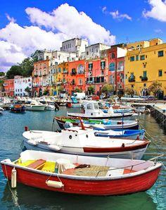 Colores de Procida, una pequeña isla cerca de Nápoles, en Campania, Italia