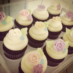 Vintage Flower Cupcakes from #CupcakesbyKelsey