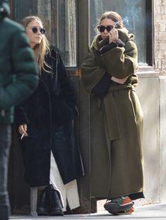 Mary Kate Ashley, Mary Kate Olsen, Ashley Olsen, Olsen Fashion, Fashion Outfits, Fashion Clothes, Style Fashion, Olsen Twins Style, Olsen Sister