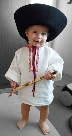 Baby boy in Slovak folk costume Smile World, Folk Dance, Folk Fashion, Folk Costume, World Of Color, People Of The World, Little People, Beautiful Children, Funny Babies