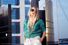 GAP SUMMER: Whites Shorts Prints http://www.shoera.com/2015/06/07/gap-summer-whites-shorts-prints/