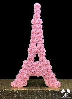 5 clever ideas to prepare the nursery. Flower Ball Centerpiece, Red Centerpieces, Mickey Centerpiece, Crown Centerpiece, Birthday Centerpieces, Pink Rose Pictures, Sangria Wedding, Eiffel Tower Pictures, Eiffel Tower Centerpiece