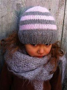 ... profiter un peu de temps pour tricoter des choses très simples... Bonnet à rayures, 100% baby alpaga de Cascade Yarns. Châle en...