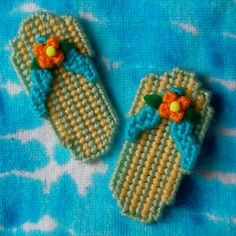 Plastic Canvas Summer FlipFlop Magnets, set of 2 by ReadySetSewbyEvie, $3.00
