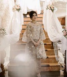brokat Dress Brokat Lace Bridesmaid 58 Ideas Source by mrsonihhhh Kebaya Modern Hijab, Dress Brokat Modern, Kebaya Hijab, Modern Abaya, Kebaya Brokat, Kebaya Lace, Kebaya Dress, Dress Pesta, Lace Bridesmaids