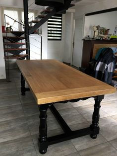 Dressing Table Wood Table Emmaüs De Valérie & Gilles Makeover By The Furniture Of Of Relooker Wood Table by ondenoire Reupholster Furniture, Pine Dining Table, Dining Table, Furniture, Table, Small Round Kitchen Table, Ikea Dining Table, Dining Table Chairs, Home Decor