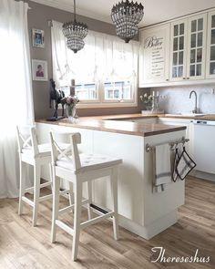 New Kitchen Decor Country Chic Light Fixtures Ideas Home Decor Kitchen, Kitchen Interior, New Kitchen, Home Kitchens, Small Apartment Interior, Interior Livingroom, Japanese Home Decor, Küchen Design, Design Ideas