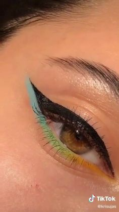 Edgy Makeup, Eye Makeup Art, Natural Eye Makeup, Eyebrow Makeup, Simple Makeup, Skin Makeup, Eyeshadow Makeup, Simple Eyeliner, Brown Makeup