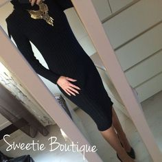 Robe pull col roulé noir via Sweetie Boutique. Click on the image to see more!