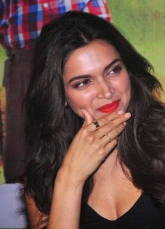 Deepika Padukone Super Sexy Legs and Cleavage Show In Black Dress At Film 'Finding Fanny' Special Screening In Mumbai   HQ Bollywood Celebrity Pics   Bloglovin'