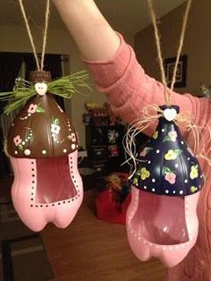 For winter garden: Cute bird feeders from 2 liter soda bottles.