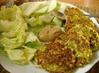 Rybí placičky s brokolicí Cauliflower, Chicken, Meat, Vegetables, Food, Head Of Cauliflower, Veggies, Essen, Vegetable Recipes