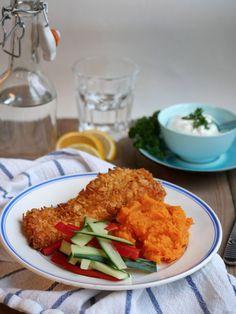 [kjøkkentjeneste]: Cornflakespanert laks med søtpotetmos, grønnsaker og dip